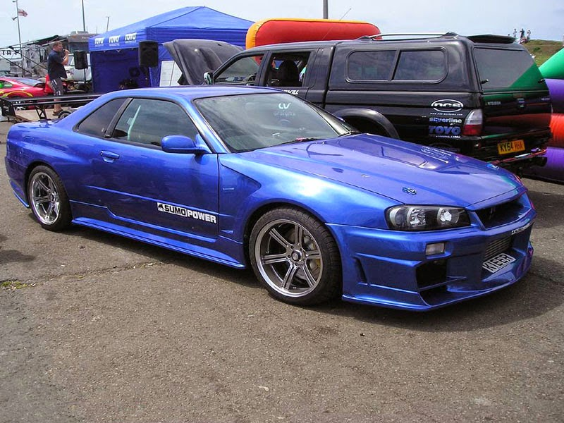 Modifikasi Nissan Skyline Biru