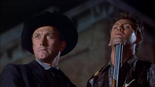 Kirk Douglas en El último tren de Gun Hill