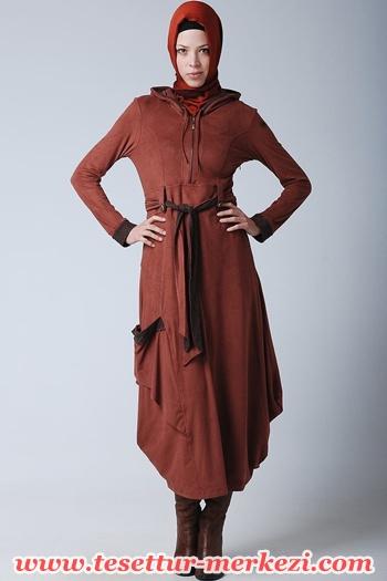 Famelin tesettür elbise modeli
