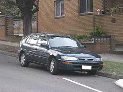 mobil sedan corola