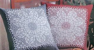 Декоративная подушка из квадратов 36