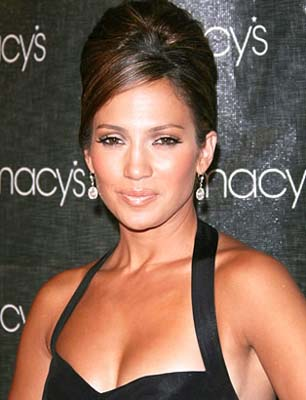 oval hairstyles. Jennifer Lopez Hairstyle