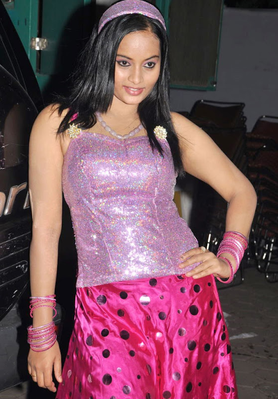 Tamil Item Girl Suja Latest Hot Stills Gallery hot images