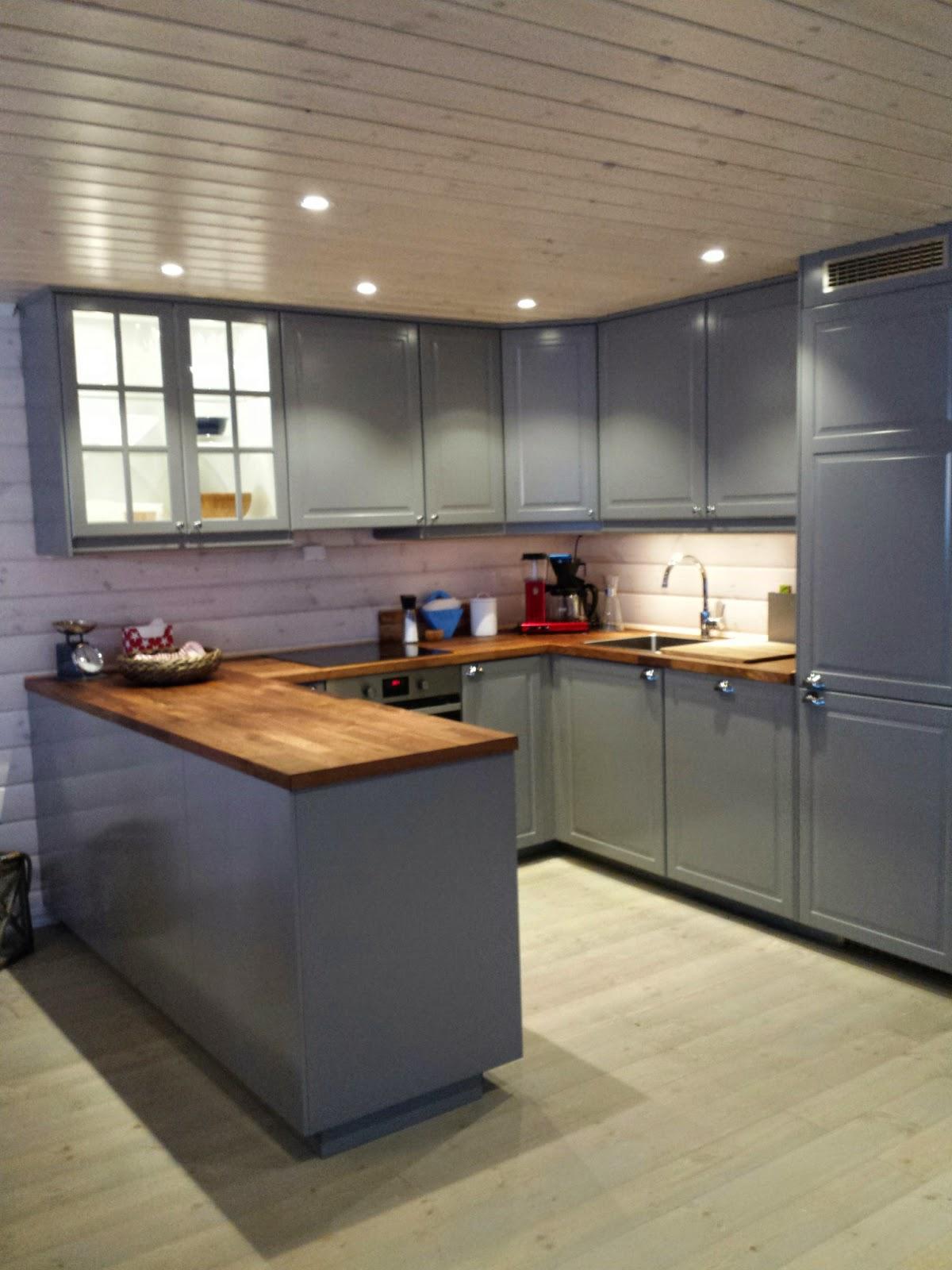 Tilbake til kvammaren: stue og kjøkken ferdig!