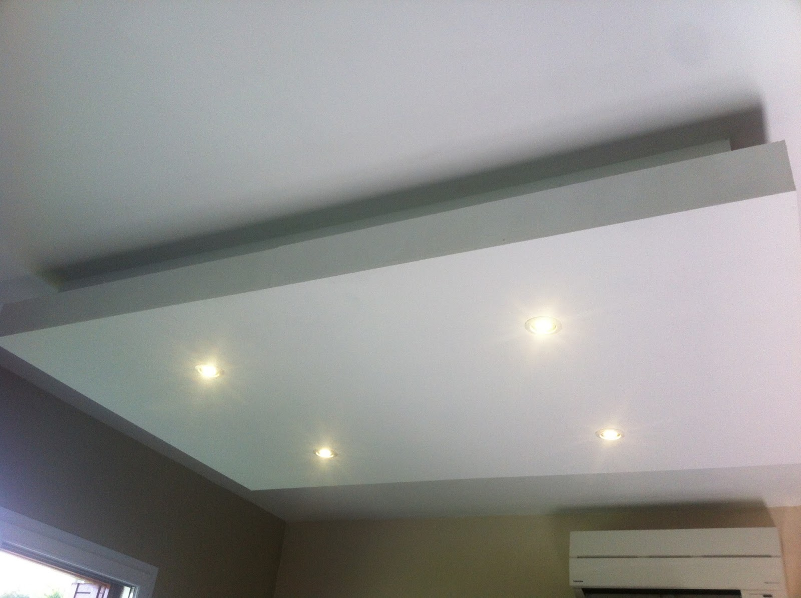 Eclairage plafond suspendu id es de for Plafond suspente
