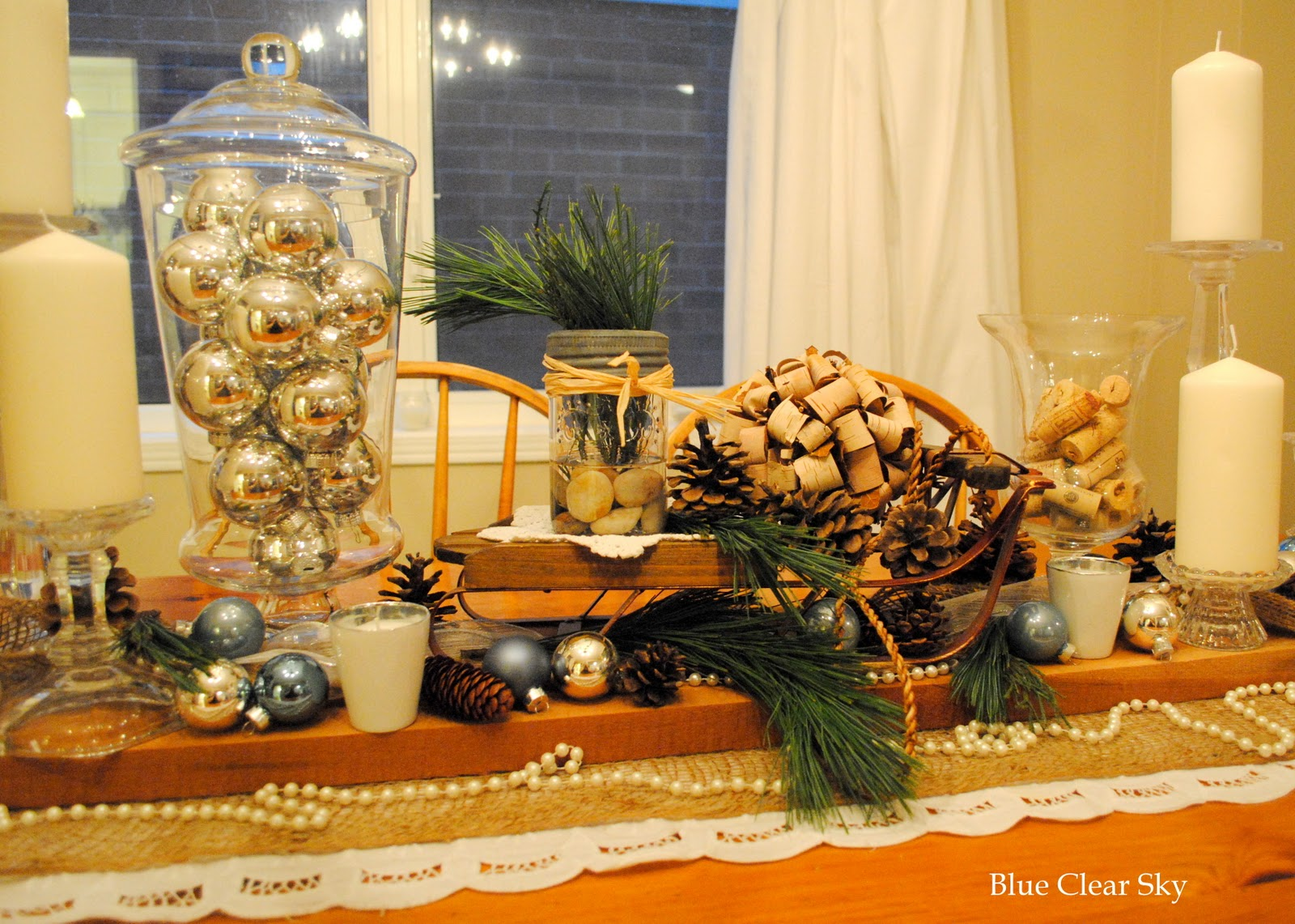Christmas Dining Room Table Vignette