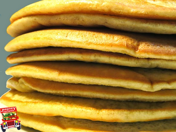 Stacks of freshly cook pancakes on a plate