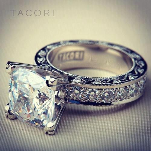 Tacori diamond ring for ladies