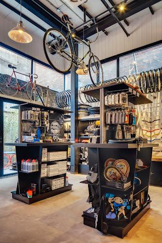 Factory 5 Bike Shop by LINEHOUSE