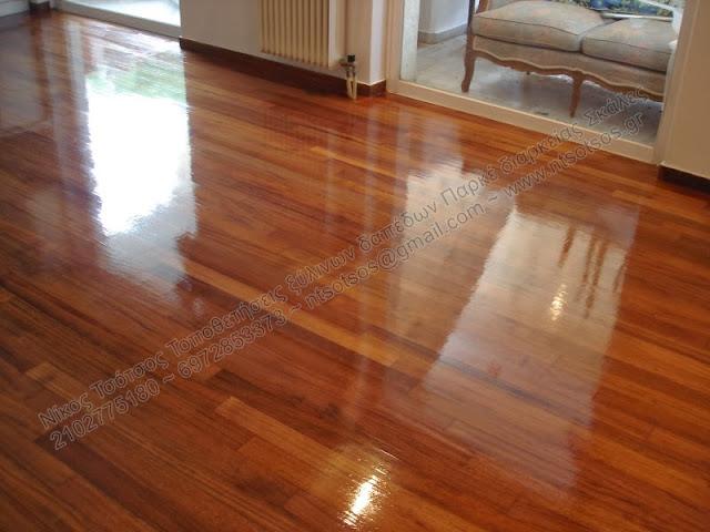 Συντήρηση σε ξύλινο πάτωμα ιρόκο με οικολογικά βερνίκια
