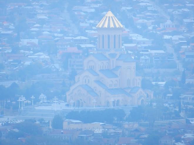 Tiflis'in en büyük kilisesi