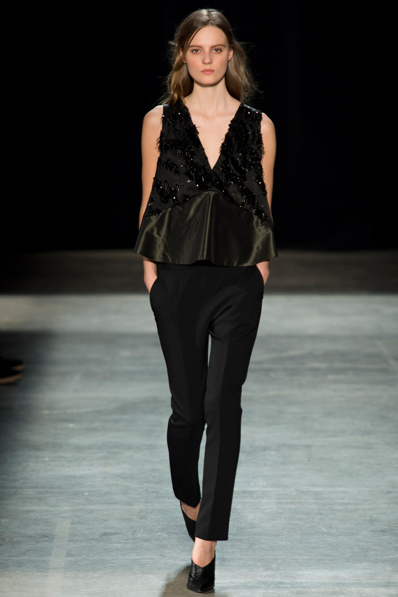 Iulichka narciso rodriguez fall 2013 for Narciso rodriguez wedding dress collection
