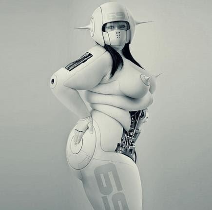 bbw photoshopée en cyborg blanc