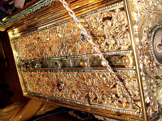 Η Αγία Ζώνη της Θεοτόκου. Ιερά Μονή Βατοπεδίου Αγίου Όρους.