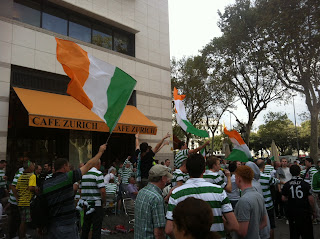 #Champions / Celtic supporters party at Cafè Zurich, #Barcelona