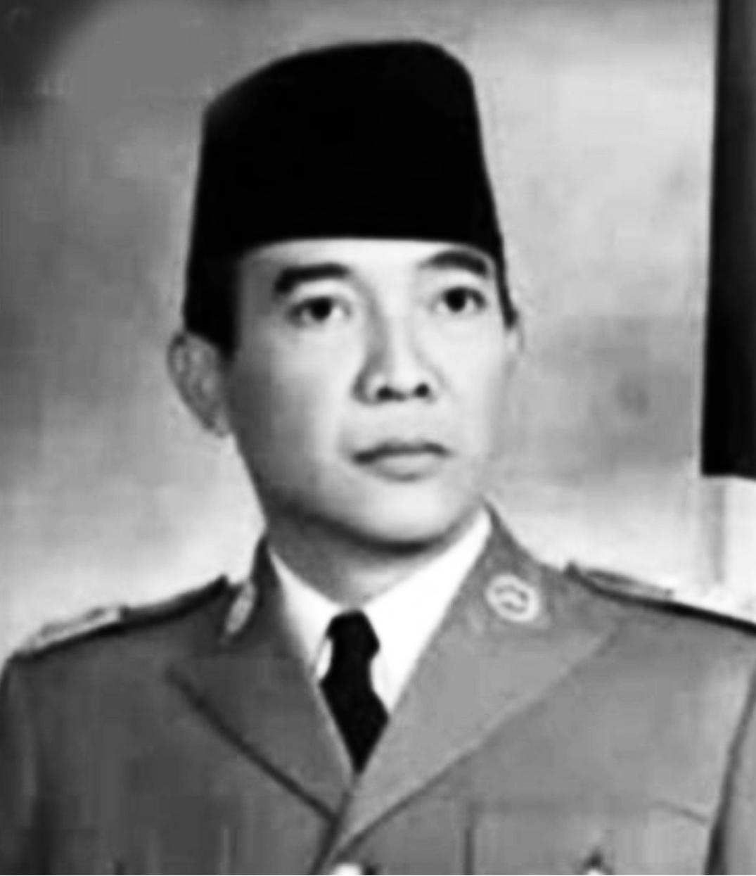 Presiden Soekarno hitam putih