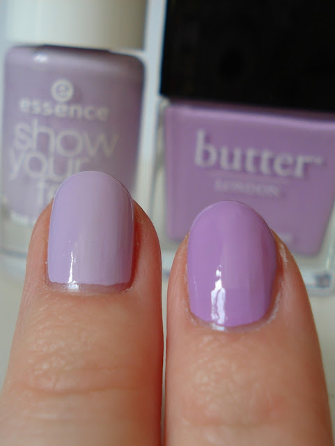 violet nailpolish