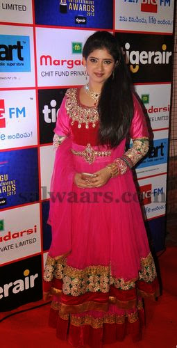 TV Actress Pallavi Rich Salwar