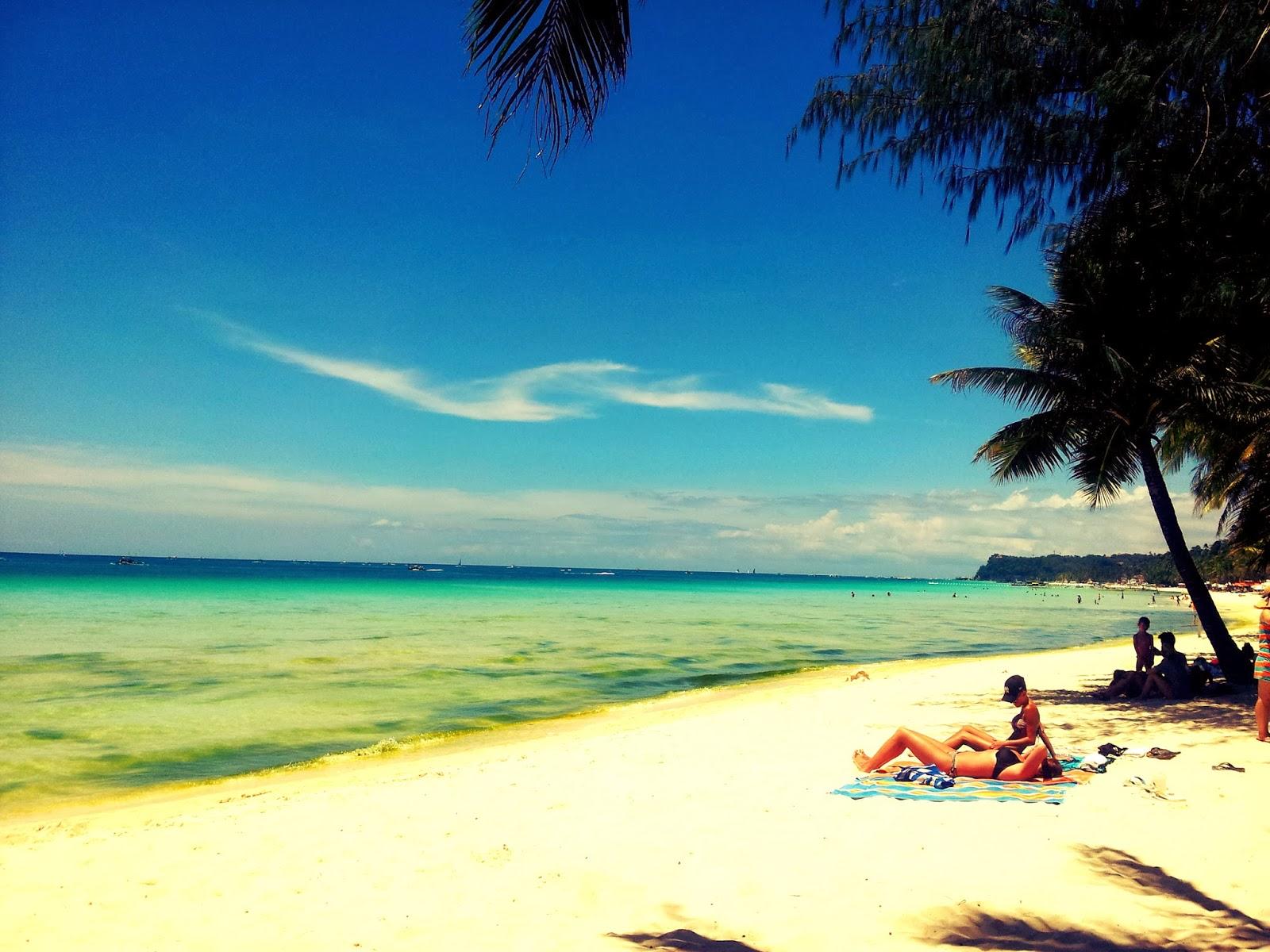 Flashback Friday: Holy week in Boracay (March 2013)