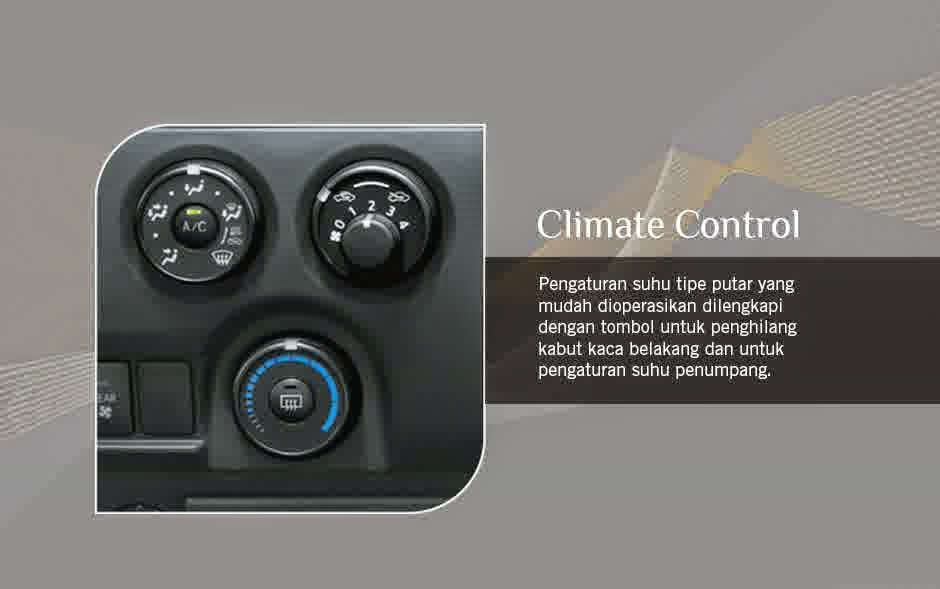 Interior Mobil Toyota Hiace Commuter 2014