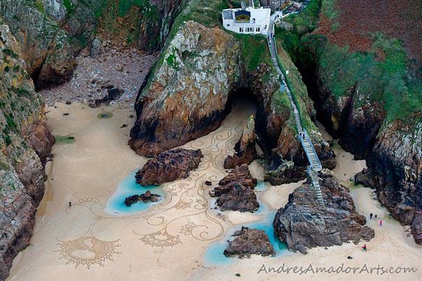 Lukisan Menakjubkan Di Atas Pasir Sfasf