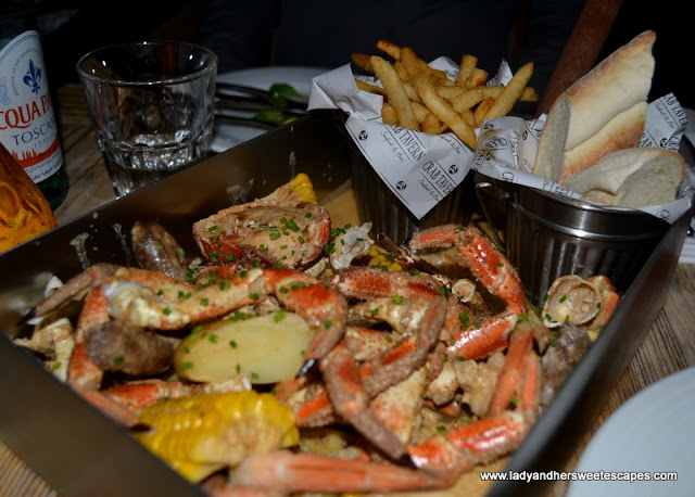 West Coast Bucket Boil at Crab Tavern