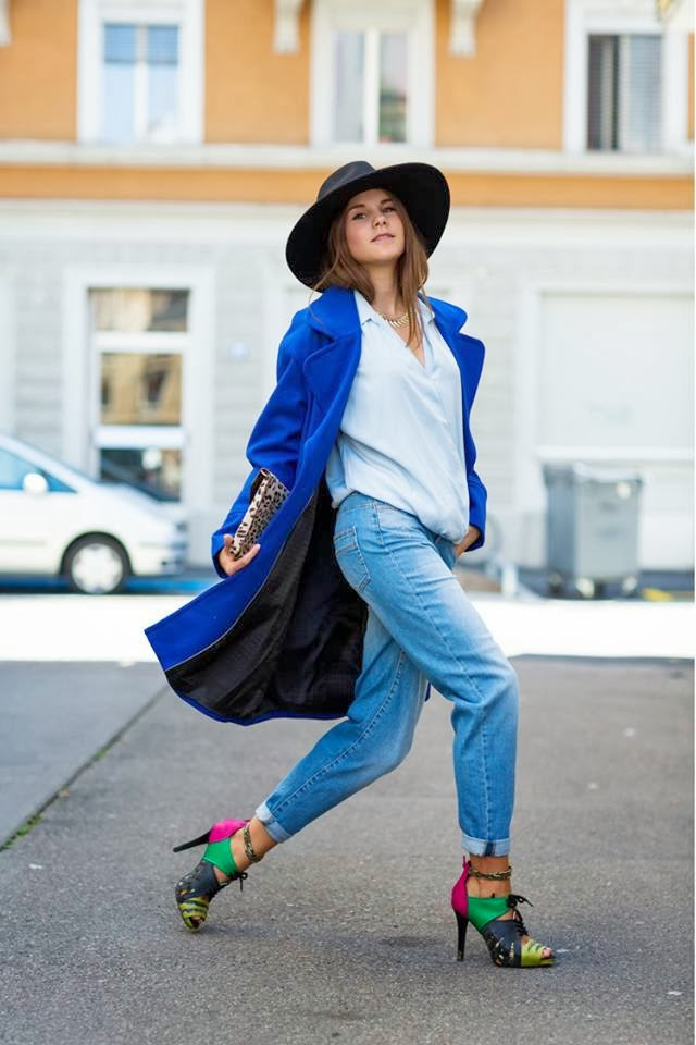 Navy Blue Coat with White Blouse, Jeans, Leopard Patterned Clutch Bag, Black Hat and Colorful Modern High-Heeled Shoes - Street Style