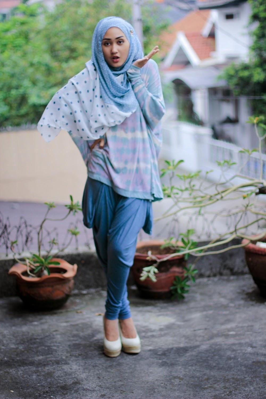 Baju Lebaran Ala Zaskia Sungkar Model Muslim Keluarga Casual Modern 15 Trend Desain Terbaru Kumpulan