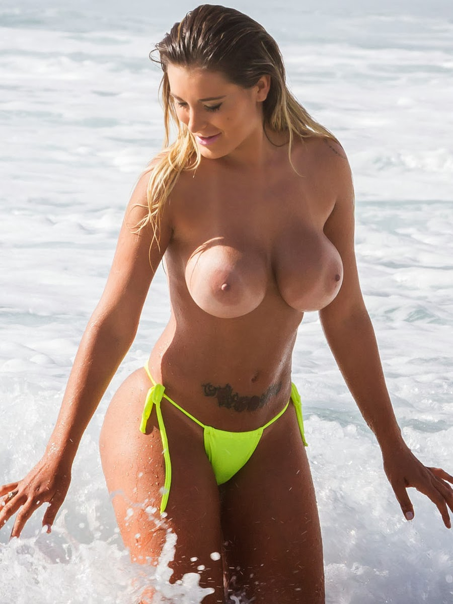 Naked beach boobs — pic 15