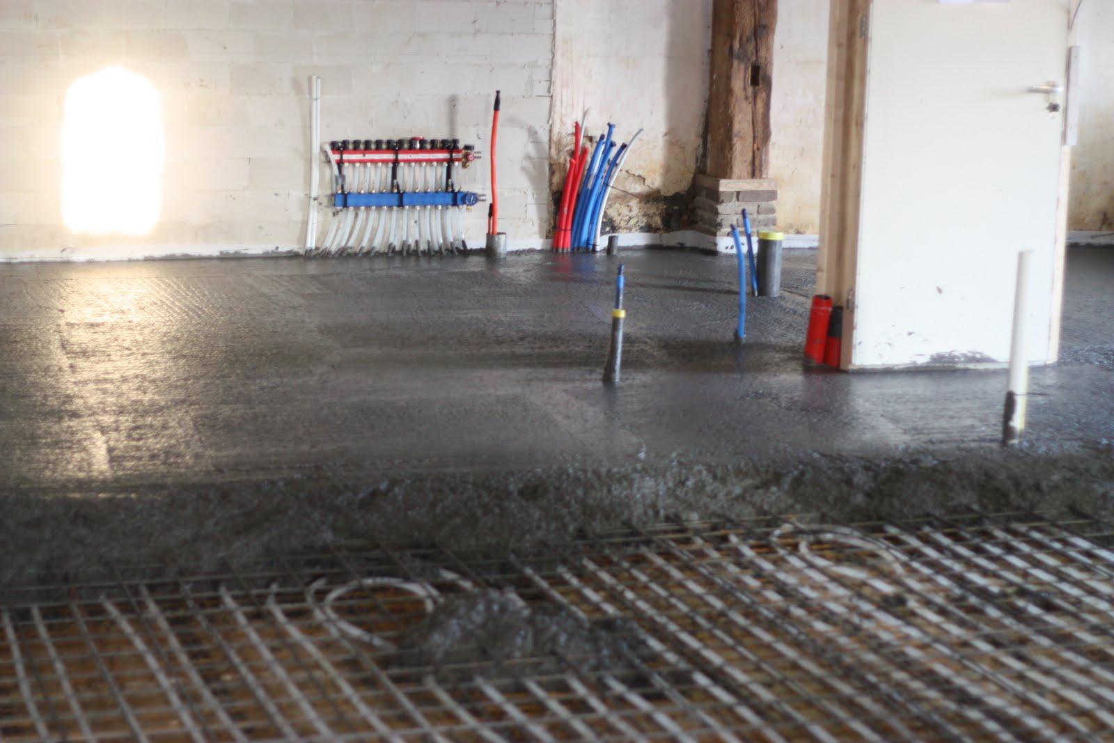Badkamer Vloer Storten : Achterhuis verbouwing verbouwings beton storten