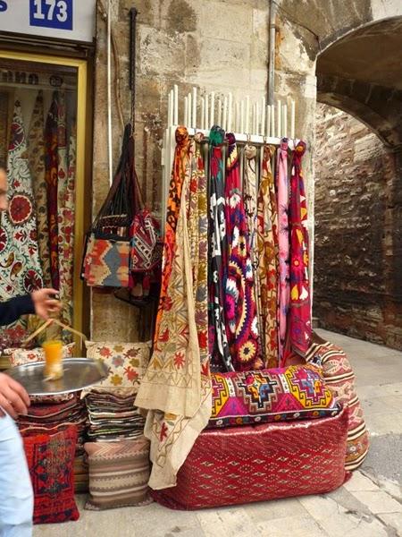 Kolorowe dywany do wnętrza