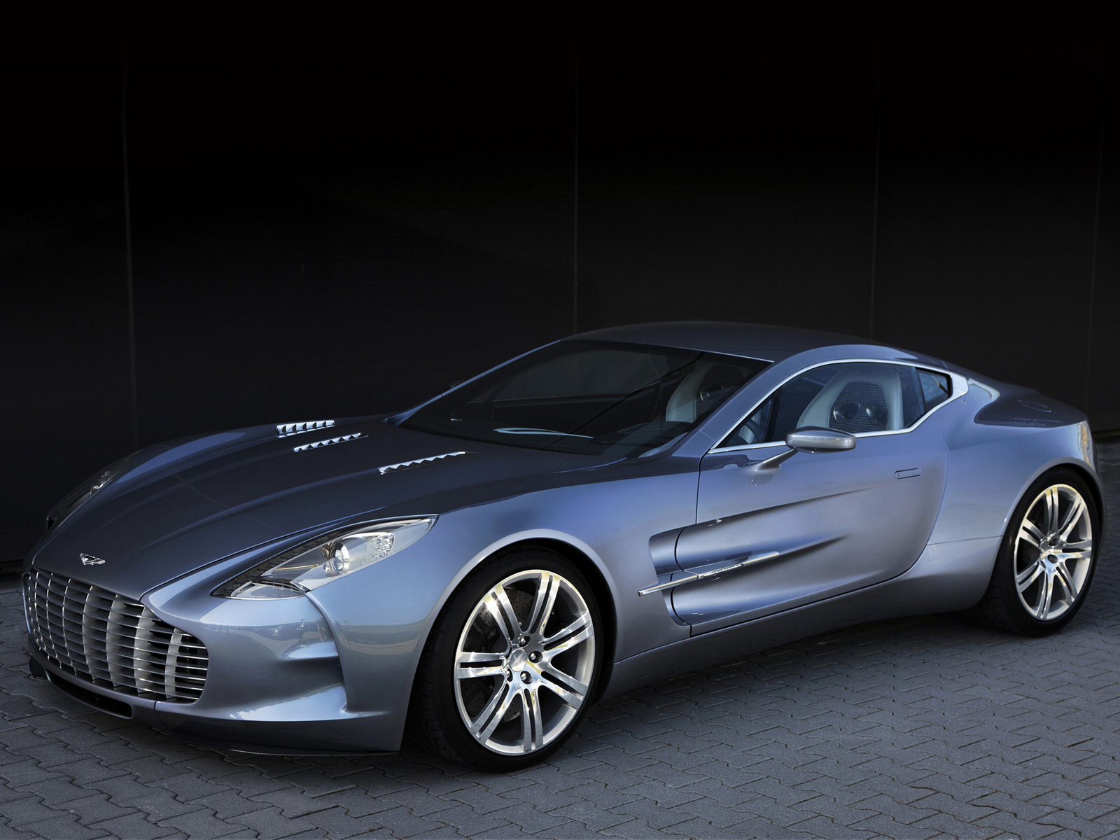 2010 aston martin one 77 car desktop wallpapers wallpaper desktop cool. Black Bedroom Furniture Sets. Home Design Ideas