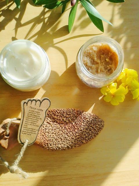 exfoliante casero para pies y crema nutritiva