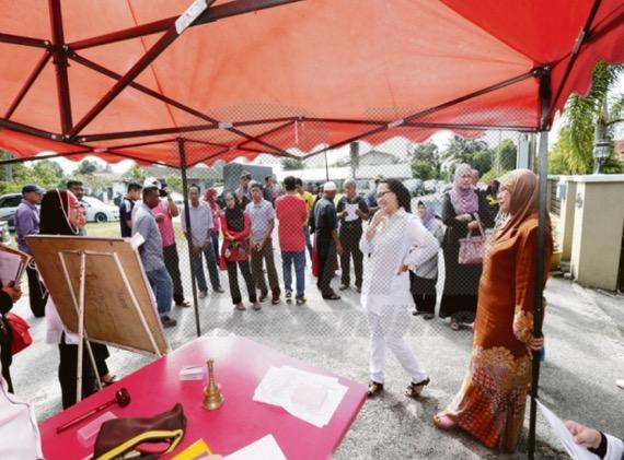 Bida barang lelong Hamidah RM100 ribu, wanita pulangkan semula barang