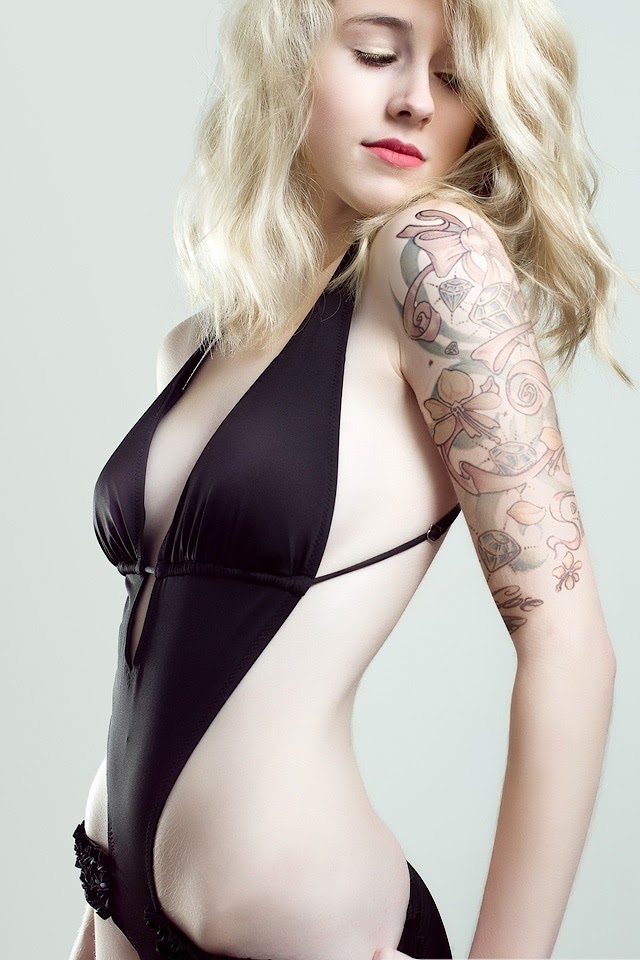 Blonde Tattoo Girl   Galaxy Note HD Wallpaper