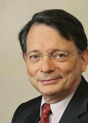 http://www.la-croix.com/Actualite/France/Jean-Francois-Mattei-homme-d-ethique-et-de-convictions-2013-10-31-1053952
