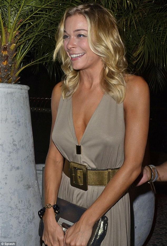 The Celebrity Oops Digest: LeAnn Rimes Ventura bikini