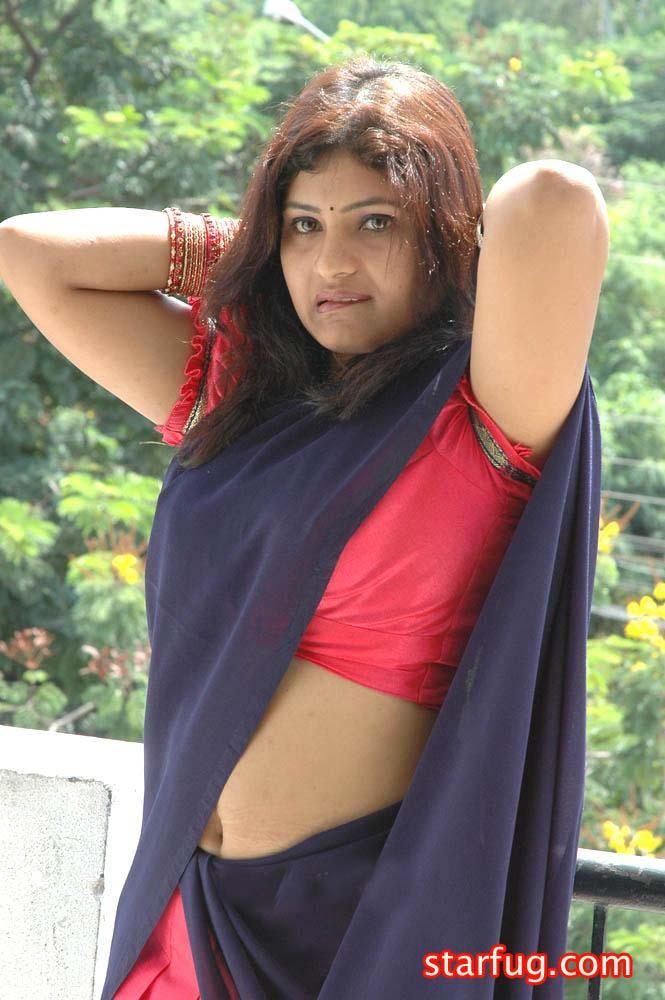 sexy aunty karachi