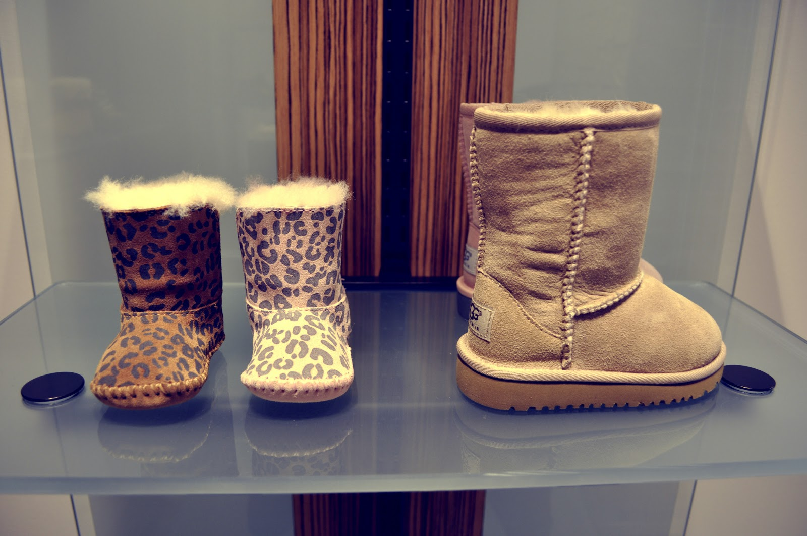 Mode La Viiie Sneakers Beauté Ugg Loves Rouge Lyon En FYHxpFUq7w