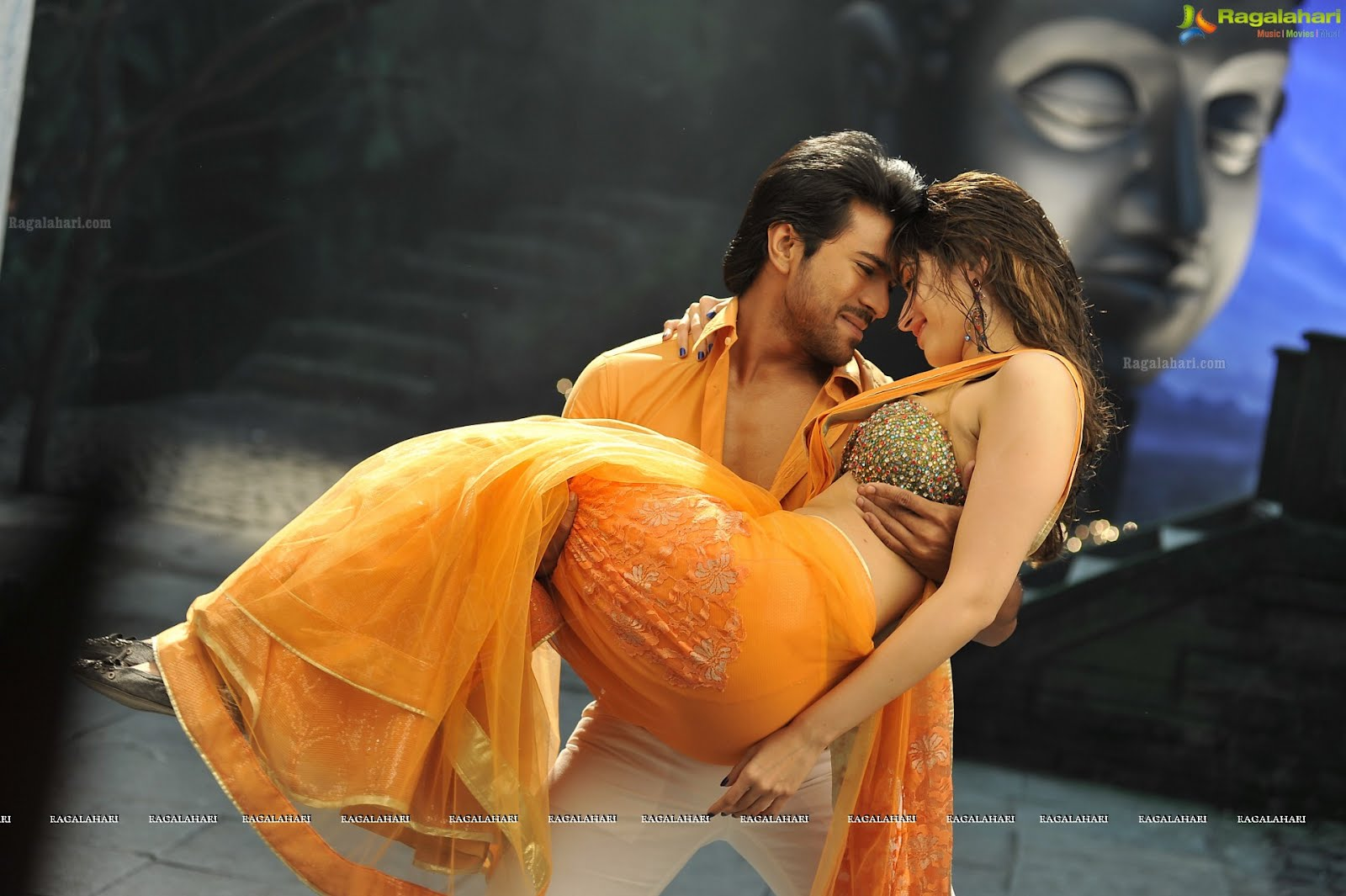 Desi Shotz Tamanna Hot N Wet Back Ass Show From Racha