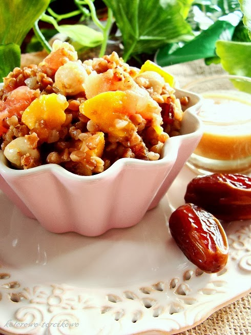 Sałatka z kaszą gryczaną ( na słodko ) - Lubelski Kociołek
