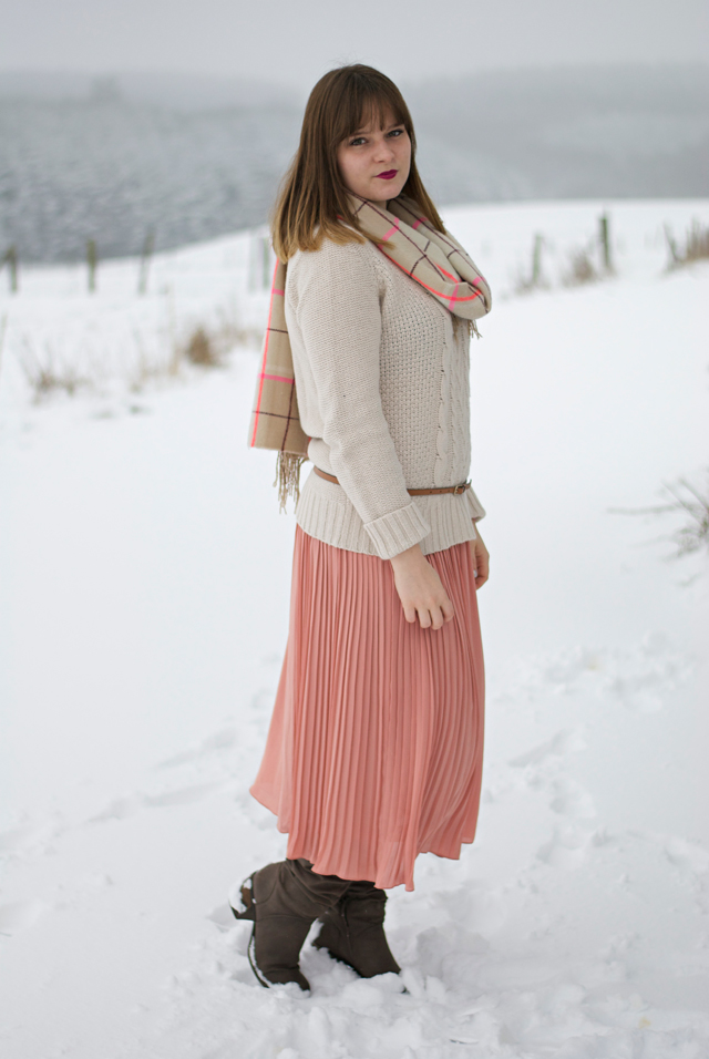 pleated skirt knit sweater combine