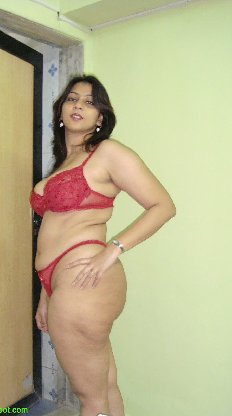 andhamina bhamalu : big ass 36-24-38
