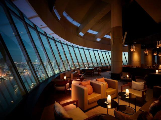 Millennium Hilton Bangkok, Bar