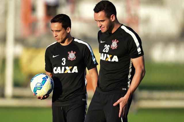 Jadson voltará a contar com a companhia de Renato Augusto na armação corintiana (foto: Djalma Vassão/Gazeta Press)