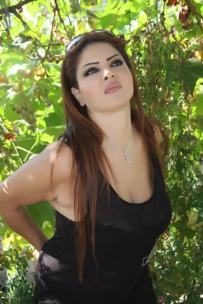 صور الفنانة اللبنانية سونيا ابراهيم صاحبة الصدر الرائع والعيون الساحرة