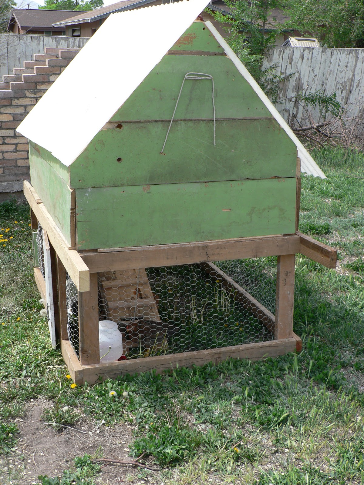 Diy chicken coop bless this mess for Chicken coop designs free