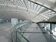 When I get to the Beijing airport is just afternoon. (beijing airport)