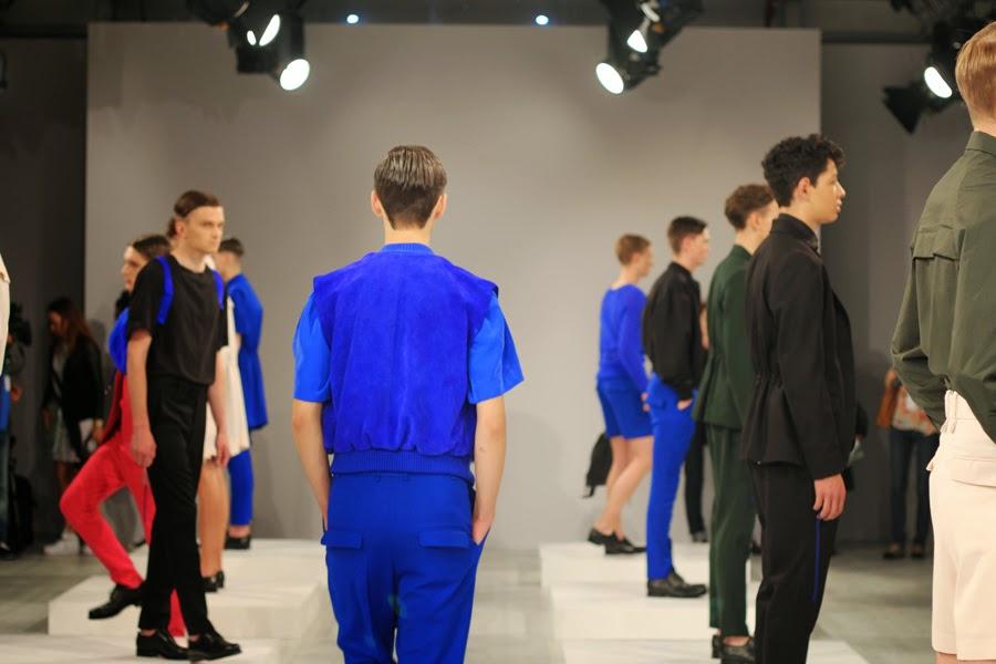 ivan man mercedes benz fashion week  blauer anzug models