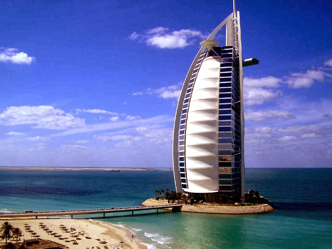 World visits dubai hotel 7 star burj al arab for The big hotel in dubai